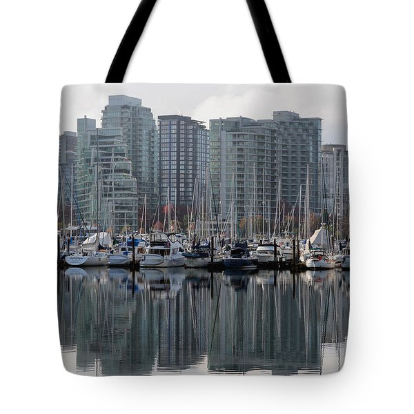 Vancouver Bc - Boats And Condos Tote Bag