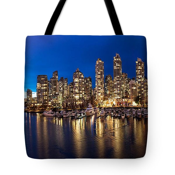 Vancouver Skyline Tote Bag by Rod Jellison