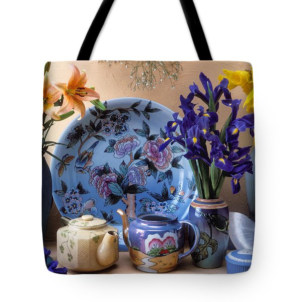 Vase And Plate Still Life Tote Bag by Garry Gay