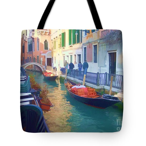 Tote Bag featuring the photograph Venice Sidewalk Cafe by Roberta Byram