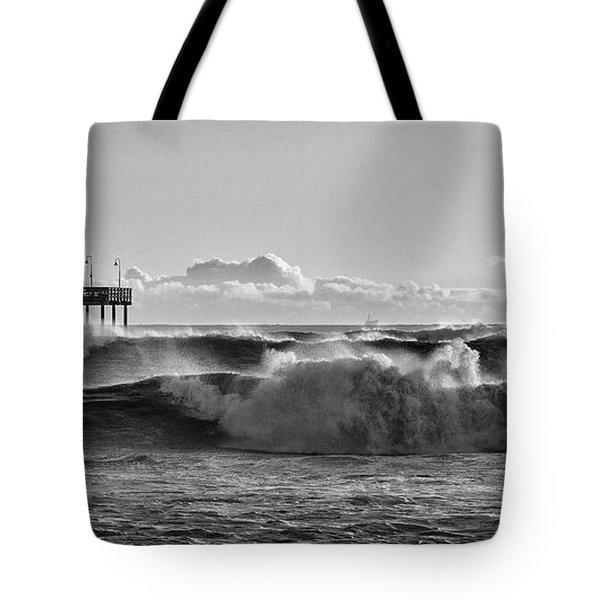 Ventura Pier El Nino 2016 Tote Bag