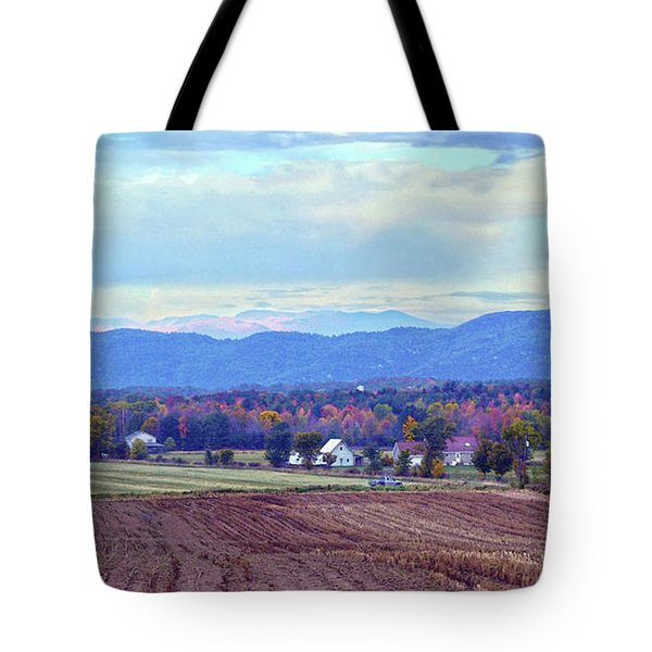 Vermont Countryside In Autumn Tote Bag by Catherine Sherman