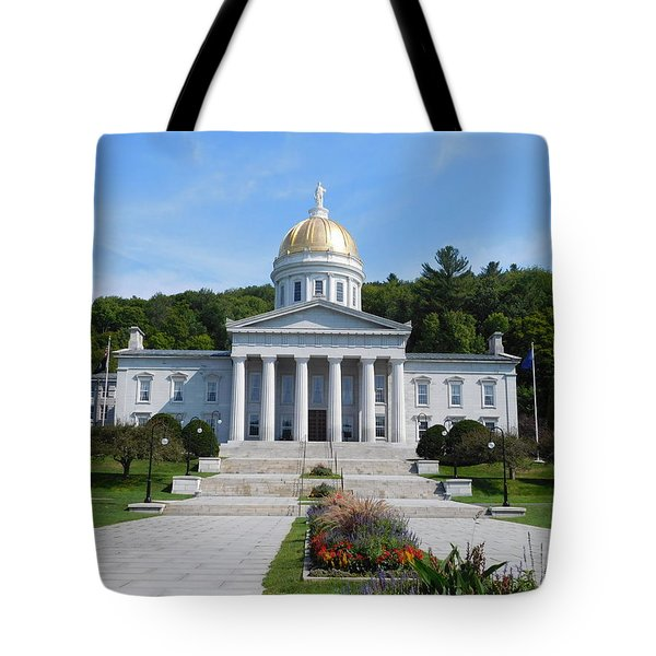 Vermont State House Tote Bag by Catherine Gagne
