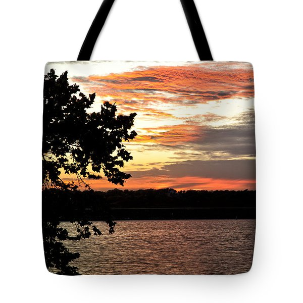 Veteran's Lake Sunset Tote Bag