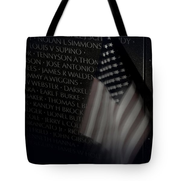Vietnam Memrial Wall With Us Flag Tote Bag
