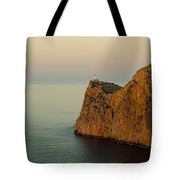 Views Of The Lighthouse At Sunset, Cap Tote Bag