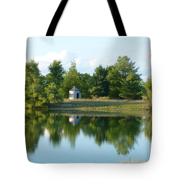 Tote Bag featuring the photograph Village In Ohio by Donald C Morgan