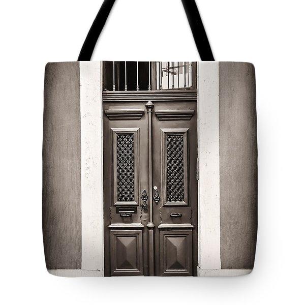 Vintage Door In Lisbon Tote Bag