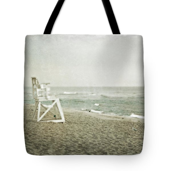 Vintage Inspired Beach With Lifeguard Chair Tote Bag