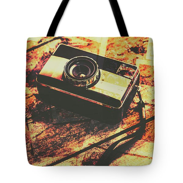 Vintage Old-fashioned Film Camera Tote Bag