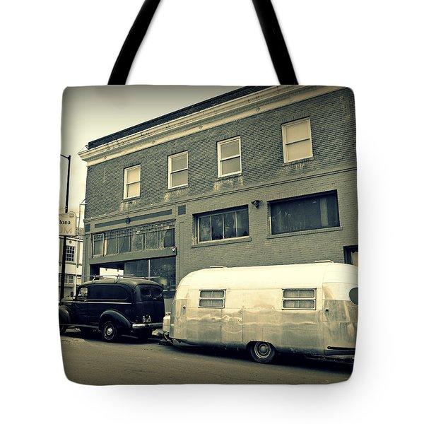 Vintage Trailer In Crockett Tote Bag