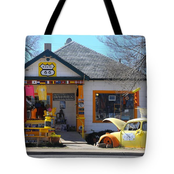Vintage Vw Beetle At Seligman Antiques, Historic Route 66 Tote Bag