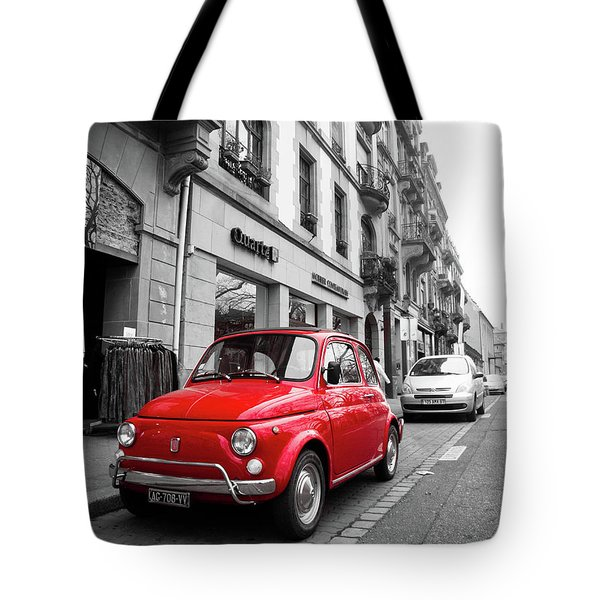 Voiture Rouge Tote Bag