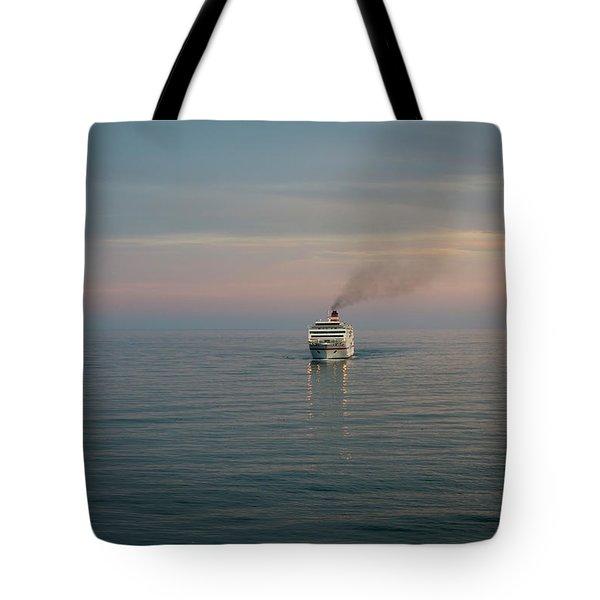 Voyage Home 4 Tote Bag