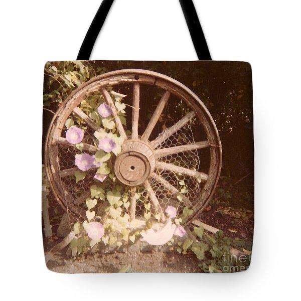 Wagon Wheel Memoir Tote Bag