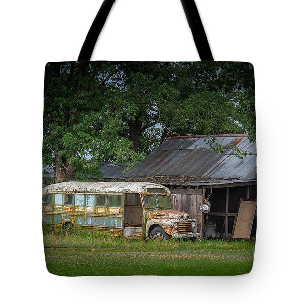 Waiting For The Bus In Tennessee Tote Bag