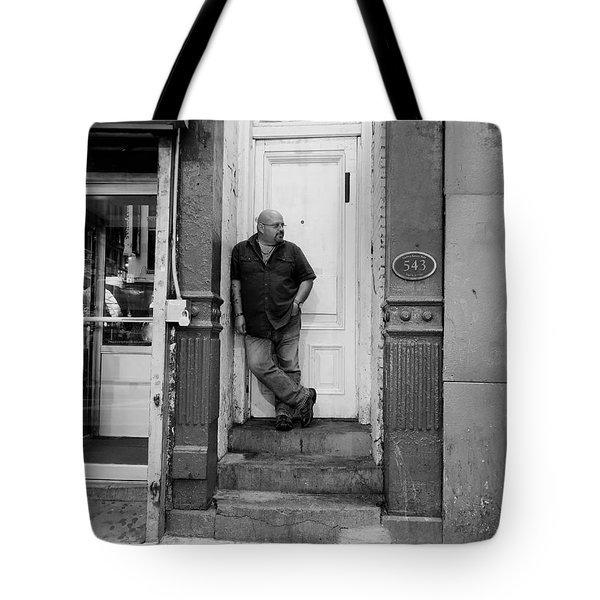 Tote Bag featuring the photograph Waiting On A Friend by Rob Hans