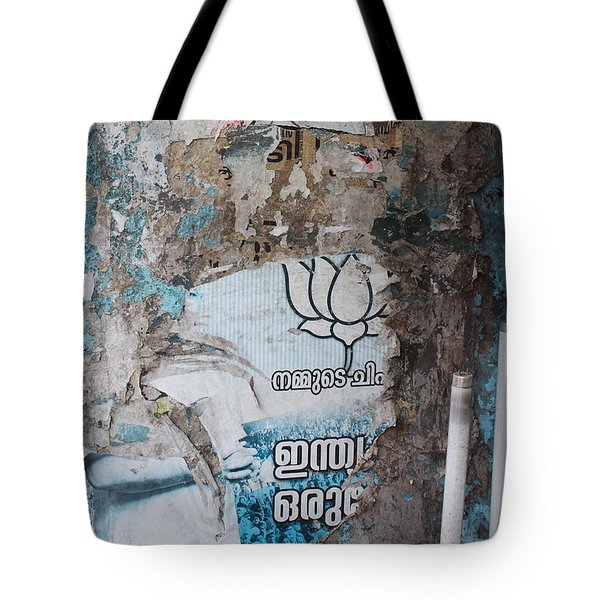 Wall In Kochi Tote Bag
