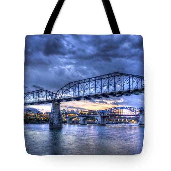 Walnut Street Pedestrian Bridge Sunset Chattanooga Tennessee Art Tote Bag
