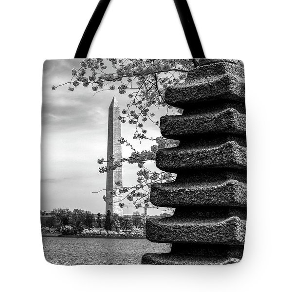 Washington Monument By Japanese Memorial Gift To Usa Tote Bag