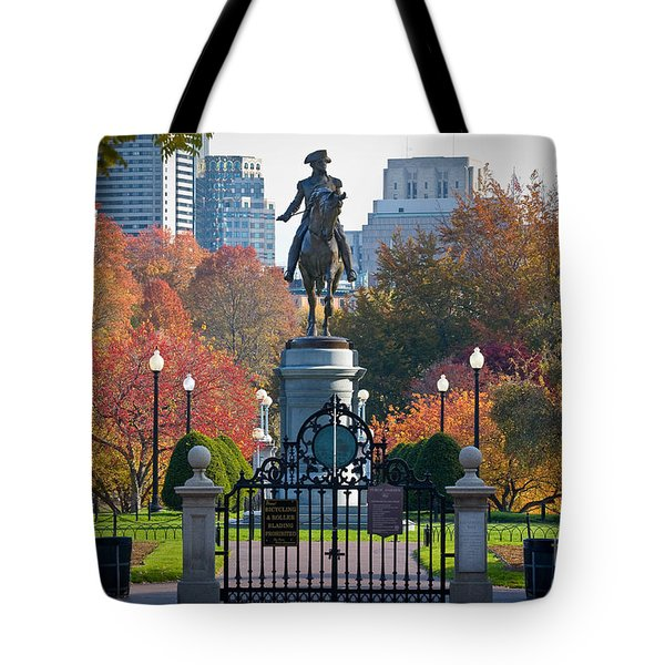 Washington Statue In Autumn Tote Bag