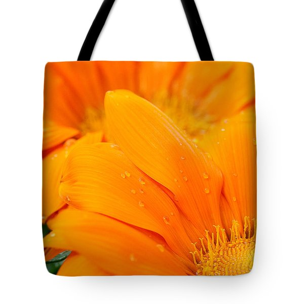 Water Droplets On Orange Daisy Tote Bag