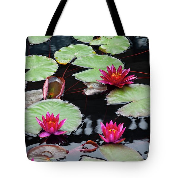 Water Lillies In Longwood Gardens Chester County Pa Tote Bag