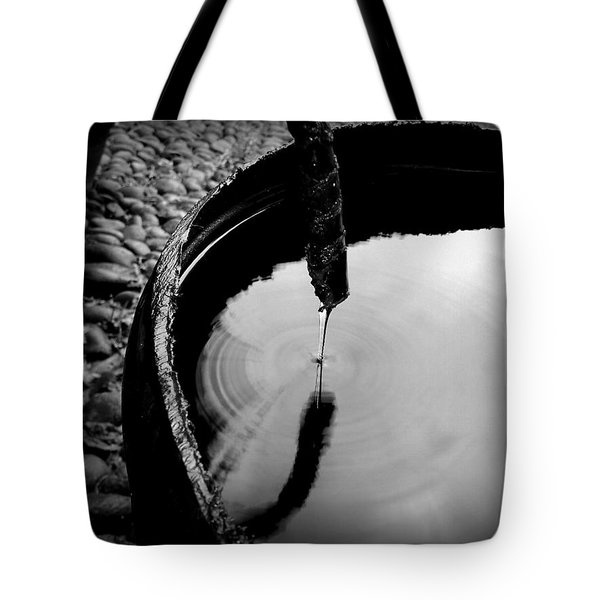 Water Rings Tote Bag