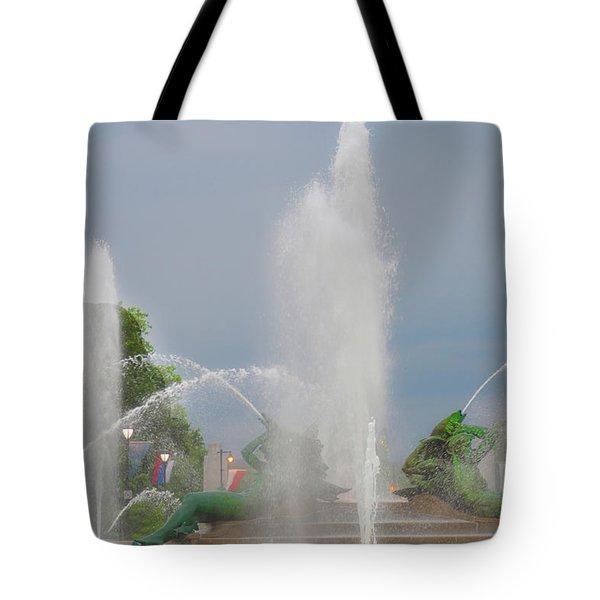 Water Spray - Swann Fountain - Philadelphia Tote Bag by Bill Cannon
