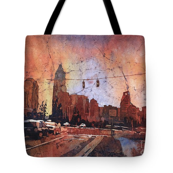 Watercolor Painting Of Charlotte, Nc Skyline At Sunset- North Ca Tote Bag