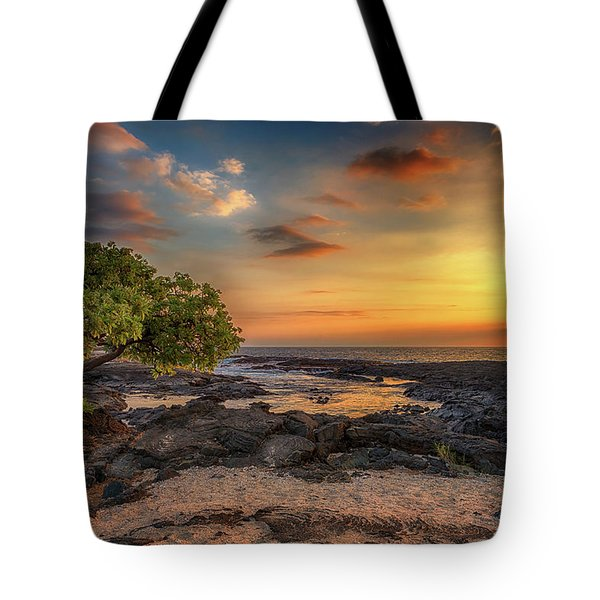 Wawaloli Beach Sunset Tote Bag