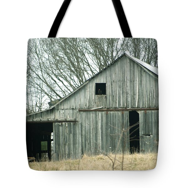 Weathered Barn In Winter Tote Bag