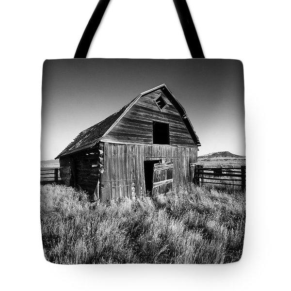 Weathered Barn Tote Bag