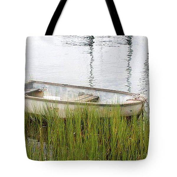 Weathered Old Skiff - The Outer Banks Of North Carolina Tote Bag