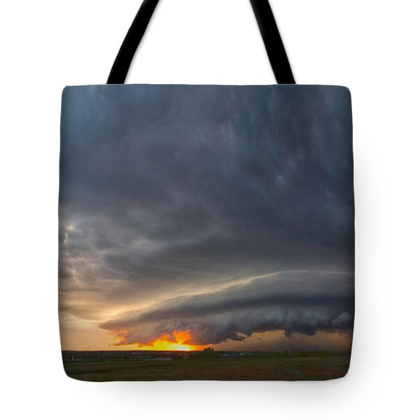 Weatherford Oklahoma Sunset Supercell Tote Bag by James Menzies