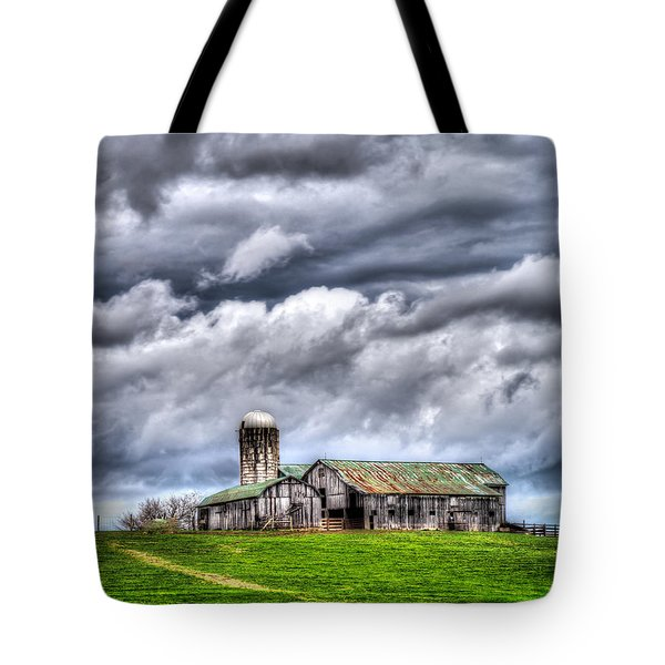 West Virginia Barn Tote Bag