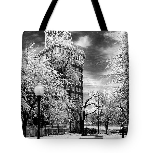Tote Bag featuring the photograph Western Auto In Winter by Steve Karol
