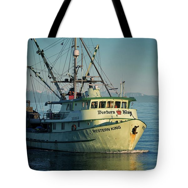 Tote Bag featuring the photograph Western King At Breakwater by Randy Hall