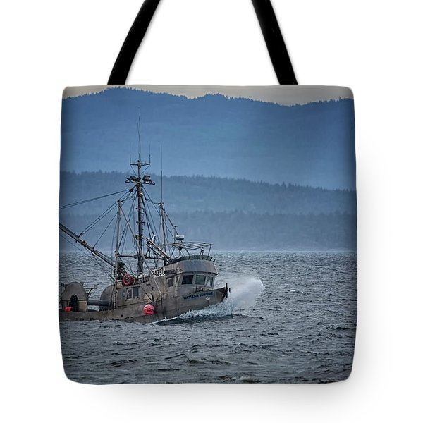 Tote Bag featuring the photograph Western Sunrise by Randy Hall