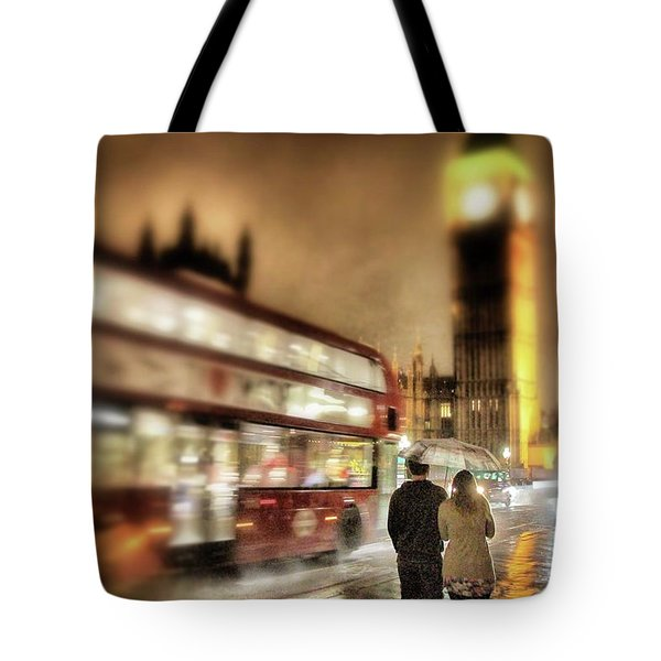Tote Bag featuring the photograph Westminster Bridge In Rain by Jim Albritton