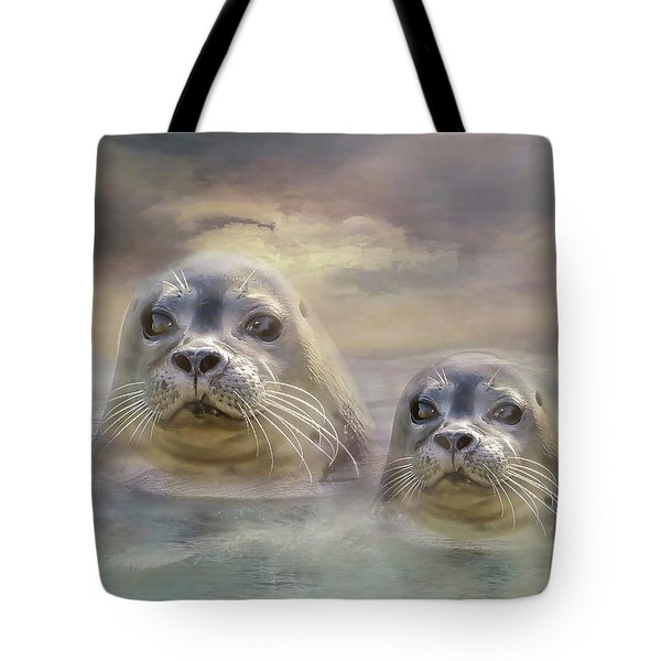 Wet And Wild Tote Bag by Wallaroo Images