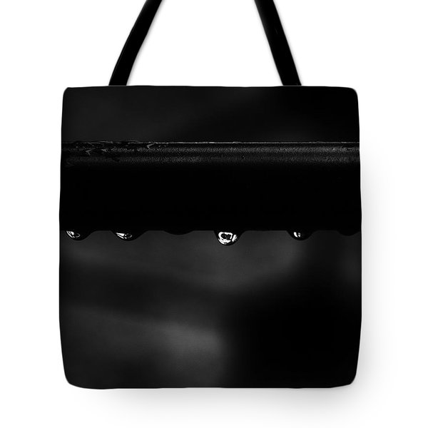 Tote Bag featuring the photograph Wet Bar by Richard Rizzo