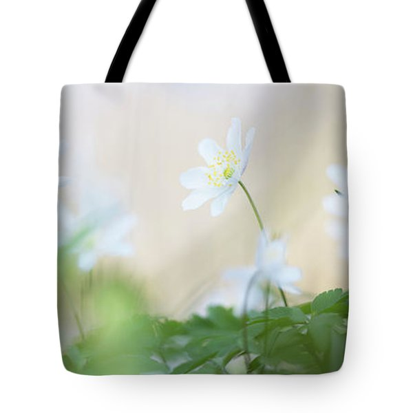 wild flower carpet - Anemone nemerosa Tote Bag