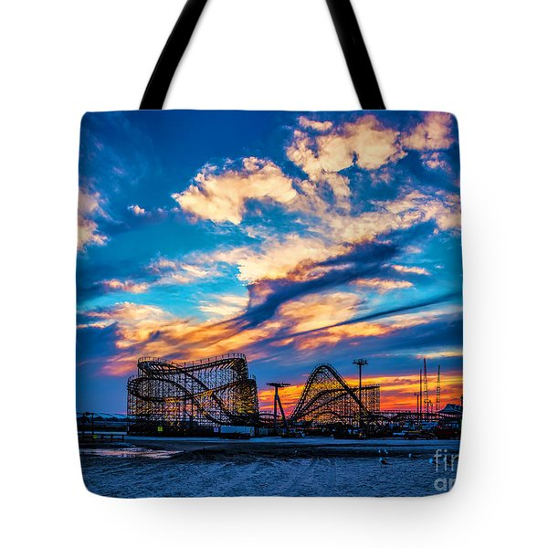 Wildwood Beach Sunset Tote Bag