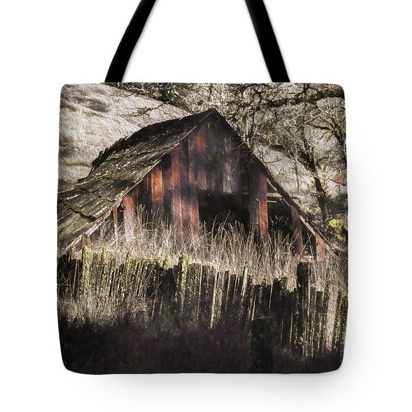 Tote Bag featuring the photograph Willets Barn by Shirley Mangini