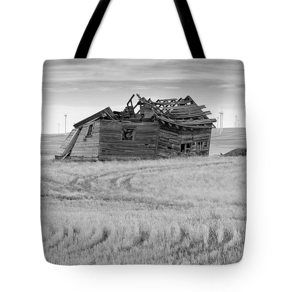 Tote Bag featuring the photograph Wind On The Plains by Fran Riley