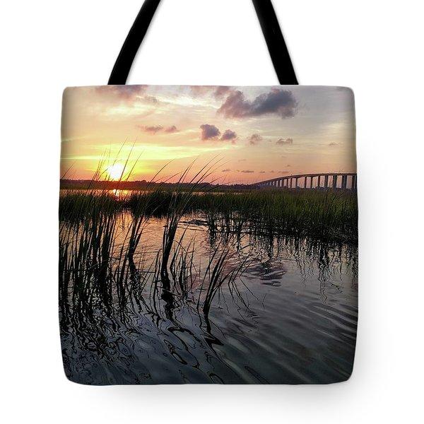 Winding Wando Tote Bag