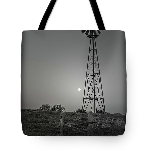 Tote Bag featuring the photograph Windmill At Dawn by Robert Frederick