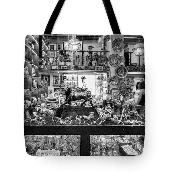Window Shopping La Rambia Bw Tote Bag