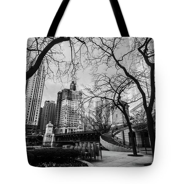 Windy Mornings In The Chi  Tote Bag
